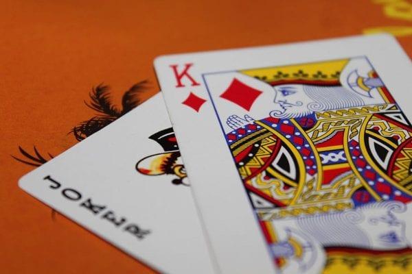 cards-playing-game-gambling
